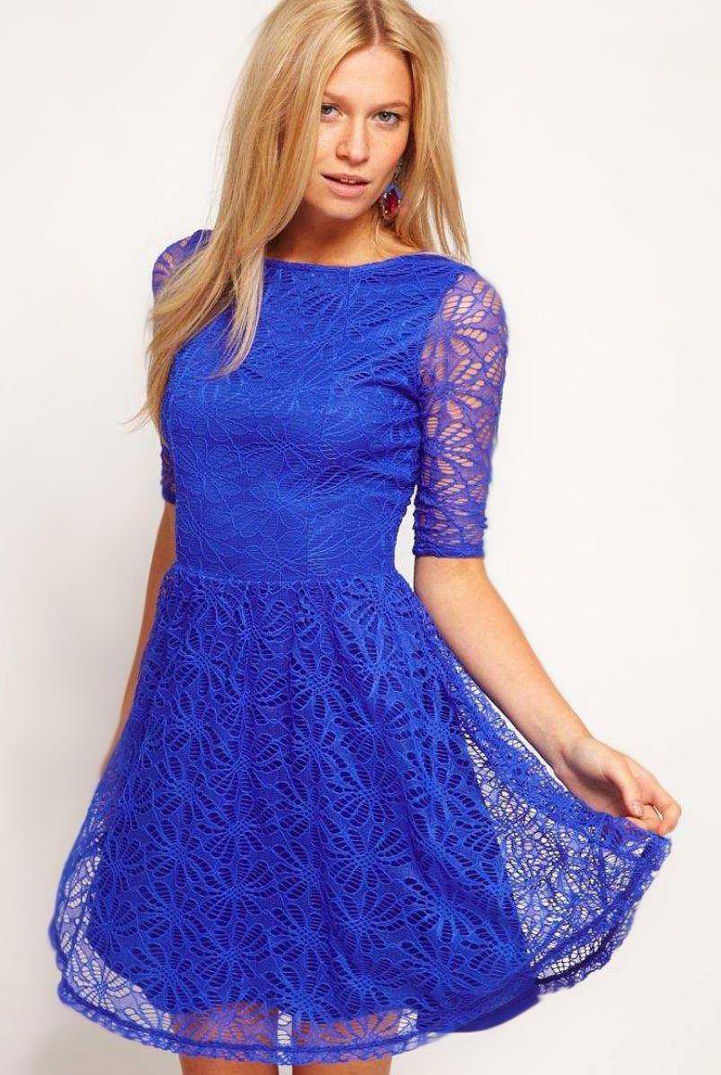 Платья голубого цвета с кружевом